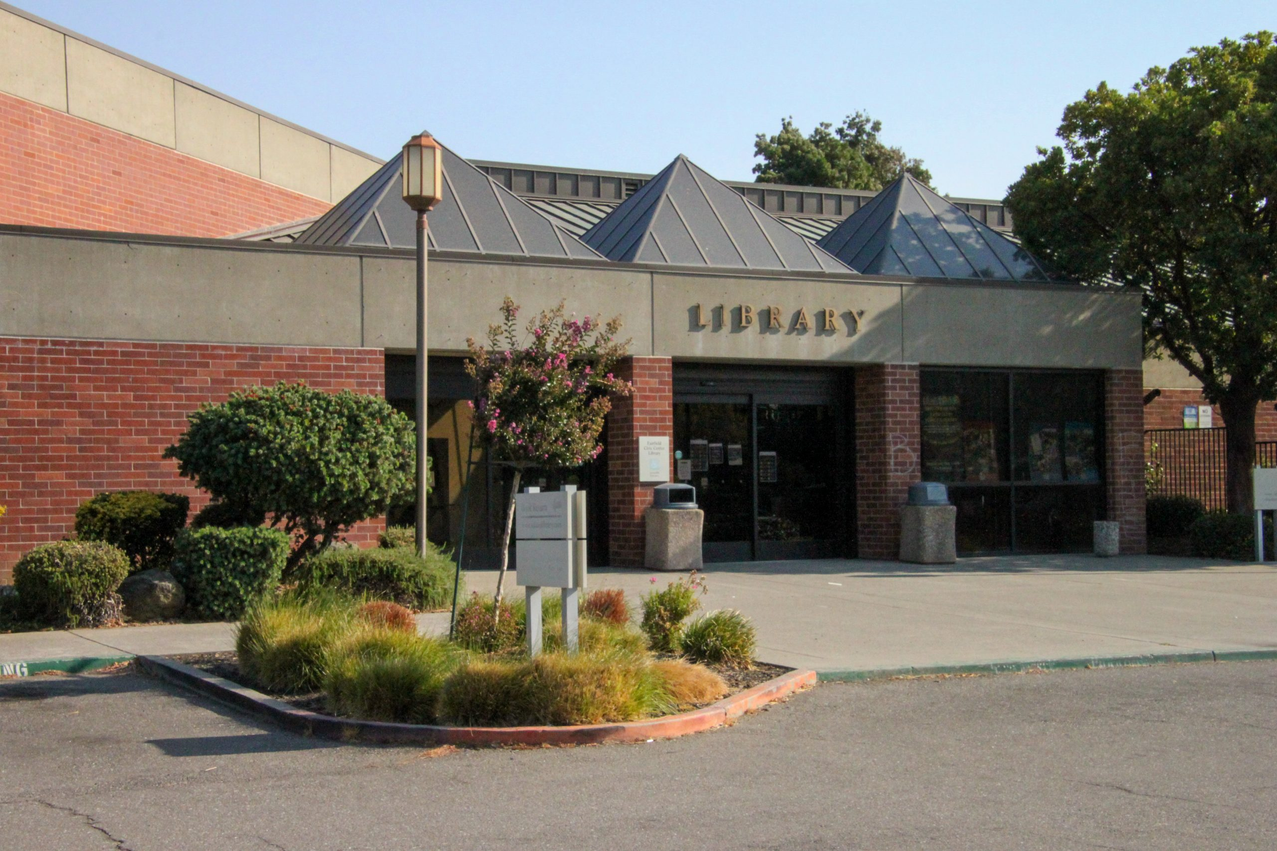 Exterior Of The Fairfield Civic Center Library
